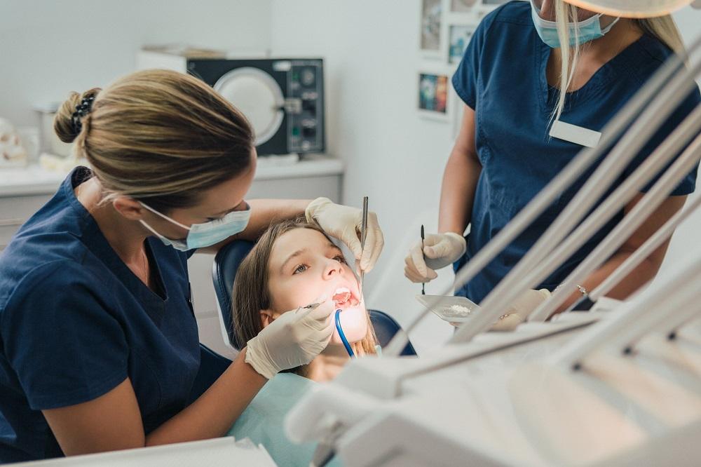 leczenie kanałowe zębów u dzieci